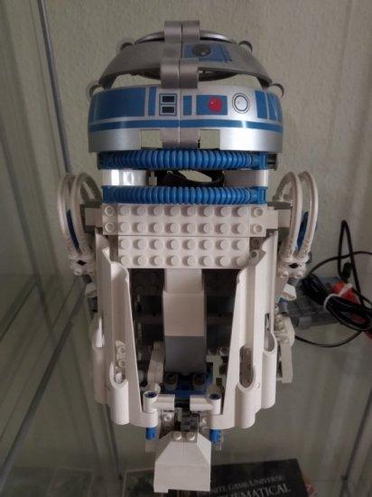 R2-D2 - EV3 front