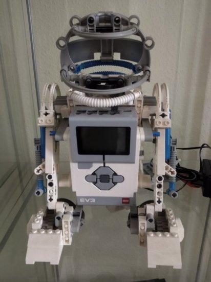 R2-D2 - EV3 back