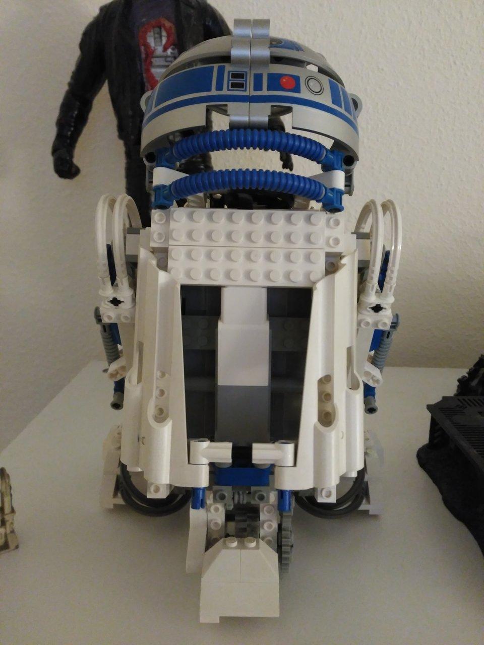 LEGO EV3 R2-D2 photo